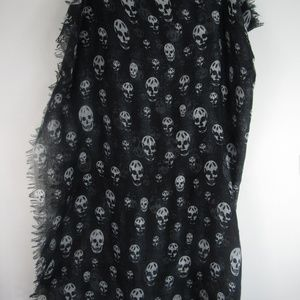 Skull Scarf Silk- White & Black- Large